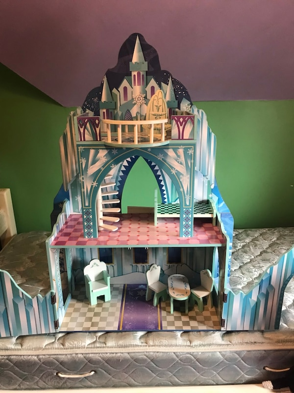 Used Ice Castle For Sale In New York Letgo