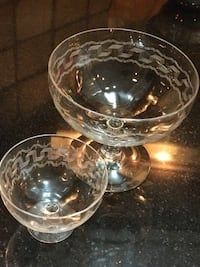 Service of 8 etched glass ANTIQUE shrimp cocktail sets Birmingham, 35212