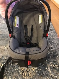 baby's gray and black car seat carrier 580 mi