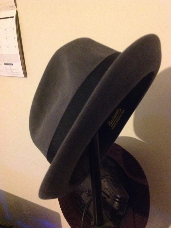 Used Barlesoni imported fur hat for sale in Philadelphia - letgo 61eced815df