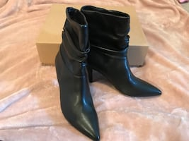 Black 3 inch heel Le Chateau Booties