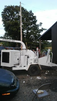 2005 Hi-Roller 1200 chipper