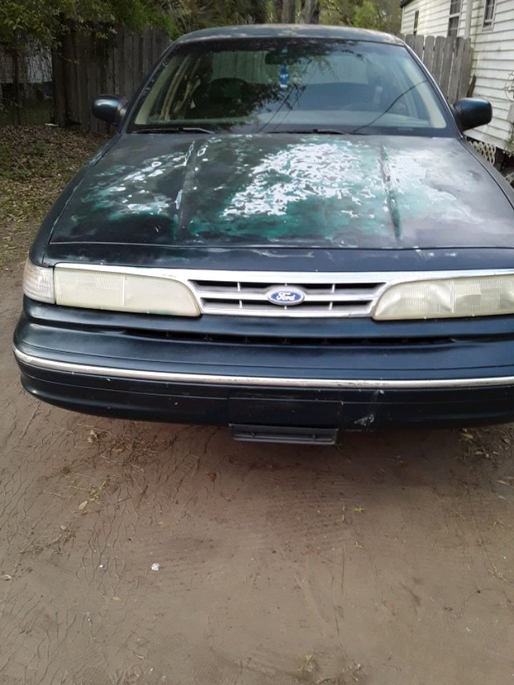 Photo 1997 Ford Crown Victoria Base