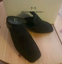 New sz 7.5 marc Fisher Ltd suede mules