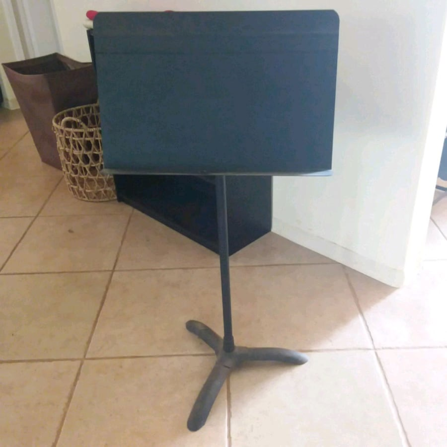 Music stand must go