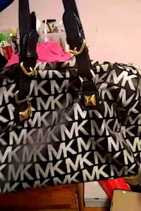 Micheal kors bag Boston, 02134