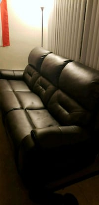 tufted black leather 3-seat sofa 68 km