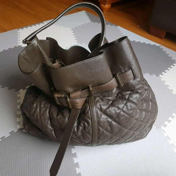 Burberry quilted leather hobo 6c809d98-39af-4532-8d40-fd0b7281f268