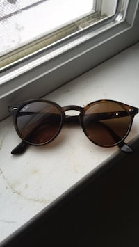 Brand new raybans never used. Arlington, 22207