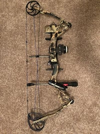 2 Left Handed Compound Bows Derry, 03038