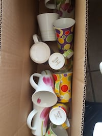 Box of 10 teacups good condition Mississauga, L4W 1A7