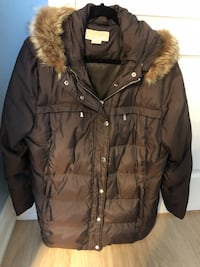 Michael Kors down winter coat size XL with fur Vaughan, L4H 0N8