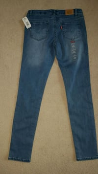 Brand new Levi's girl jeans with tag