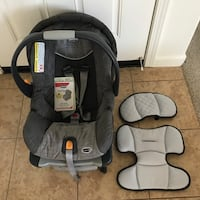 CHICCO CARSEAT AND BASE $15 expired in  2017 well taken care of  Marysville, 95901