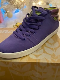 SHOES woman size 8.5 Mississauga, L5V 0C1