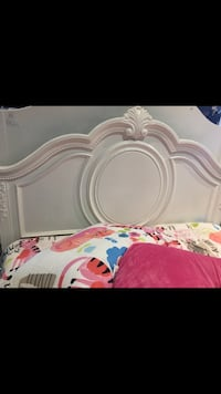 full size bed for bedroom white colour it's new not used