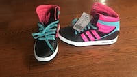NEW Kids adidas high-top sneakers size 3.5 Toronto, M4E 3G4
