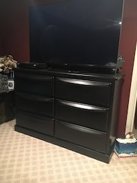 black wooden 3-drawer chest Millstone Township, 08535