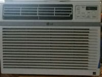 white window type air conditioner Vancouver, 98684