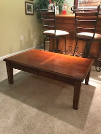 Coffee table w/matching end table Ashburn, 20147