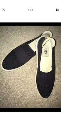 UGG flats size 9  London, N6H 4T6