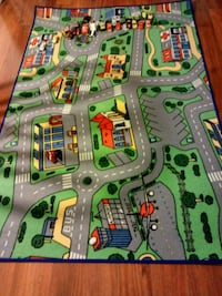 Rug. 4ft by 6ft,plus 25 cars. 526 mi