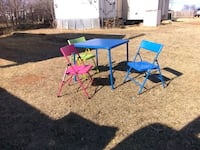Kid table and 3 chairs