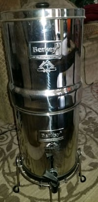 Berkey water purification system with filters  Oklahoma City
