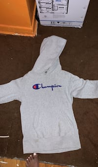 Champion hoodie small