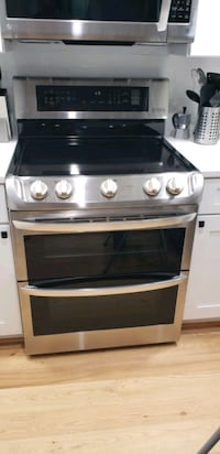 New LG Electric Double Oven Range with ProBake Convection Alexandria, 22314