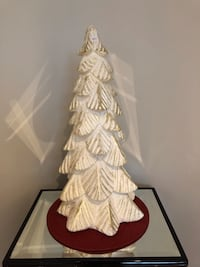 Beautiful Christmas tree white gold and sliver.  Mississauga, L5G 1K6