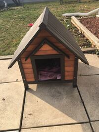 brown and black wooden doghouse Thurmont, 21788
