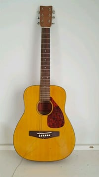 Yahmaha FG Junior acoustic guitar