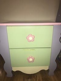 White and pink wooden 2-drawer nightstand Milton, L9T 7Y2