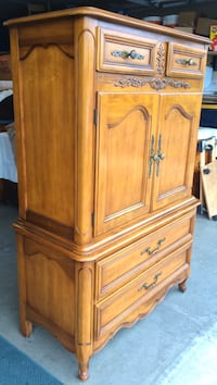 Classic 5 Drawer Chest on Chest Dresser with Cubby