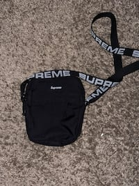 Supreme Shoulder bag Silver Spring, 20906