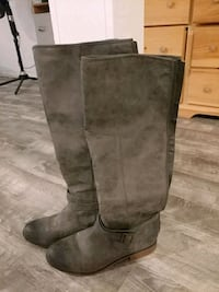 Women's tall boots size 10
