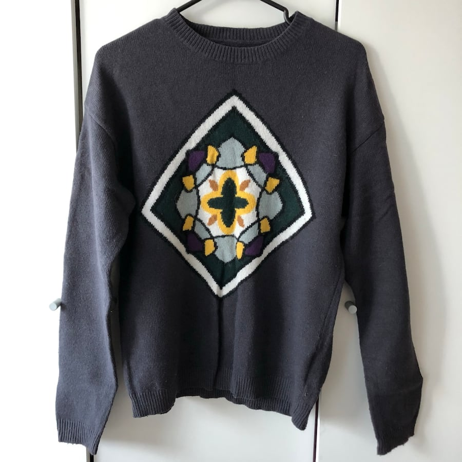 Vintage graphic design sweater