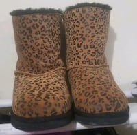Leopard print UGG Classic Short Size 6 Springfield, 22150