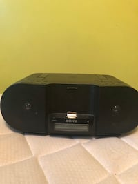 Sony speaker with remote obo Edmonton, T6H 4M9