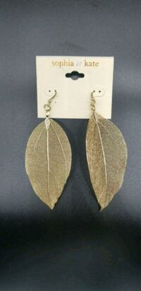 Gold floral textile earrings  Upper Marlboro, 20772