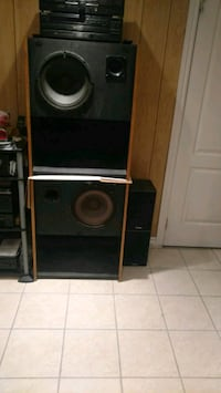 CUSTOM BUILT 2 WAY SPEAKERS Mississauga, L5G 4L3