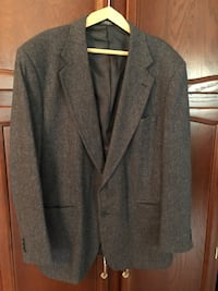 Gray notched lapel suit jacket 253 mi