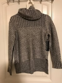 New with tag Banana Republic sweater