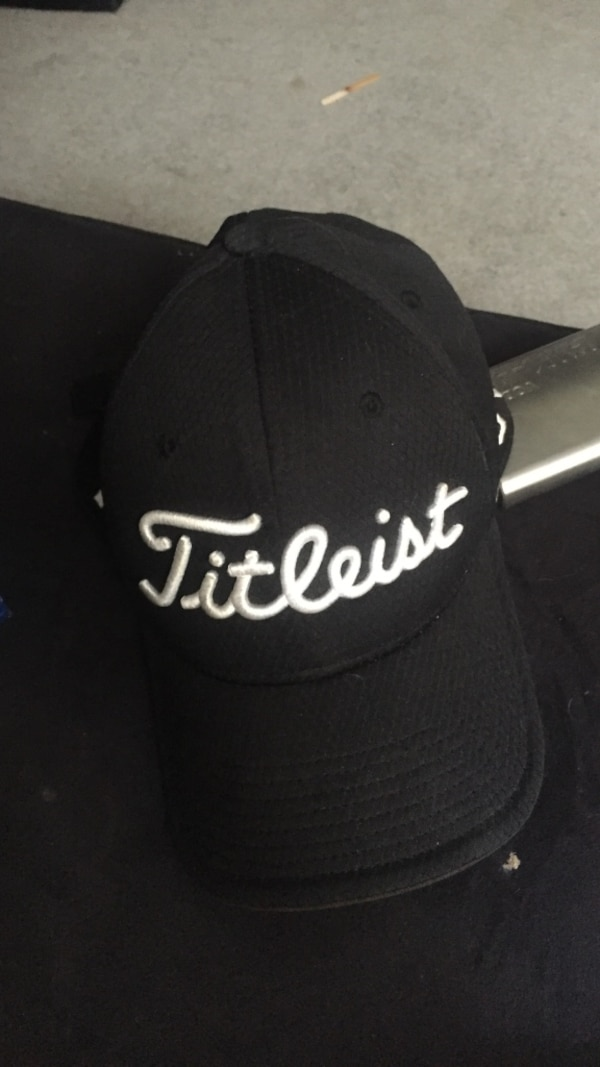 Used Titleist golf hat for sale in Red Deer - letgo 62268bbb4ac2