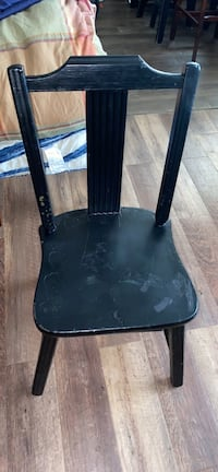 """Black chair 32"""" tall 14.5 wide 15"""" deep GREAT PROJECT CHAIR"""