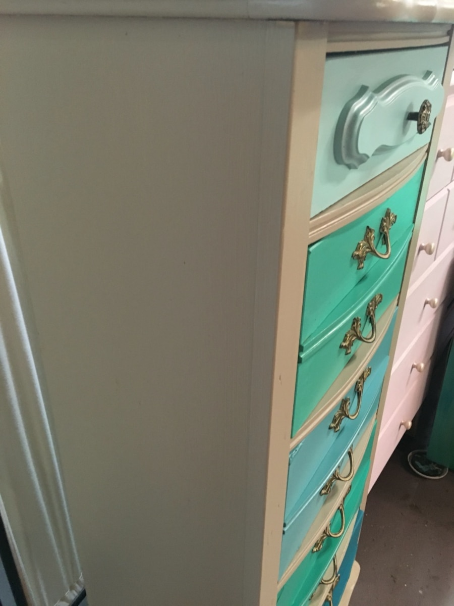 French provincial lingerie chest - FL