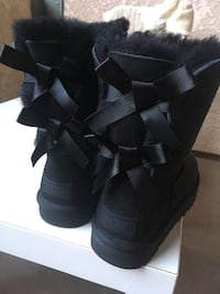 Authentic And Brand New Original Uggs Women boot size 6 US ( Original price is $205+tax=$222) very new style   San Diego, 92122