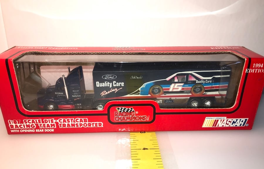 Lake Speed #15 Quality Ford & Bud Moore NASCAR 1:87 Transporter 0