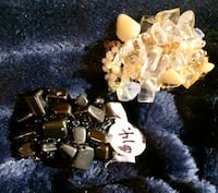 New! 2 Gemstone Stretch Rings. 1 is genuine Hemitite. 1 is Genuine Citrine and Crystal. Citrine is slightly looser for larger fingers. $15 for both, not each. Paid $14 each. Smoke Free Home. Must be picked up in Port Hope.  Please see my other ads   Port Hope, L1A 2V2